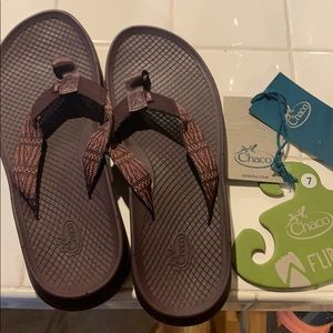 Chaco lowdown flip flops